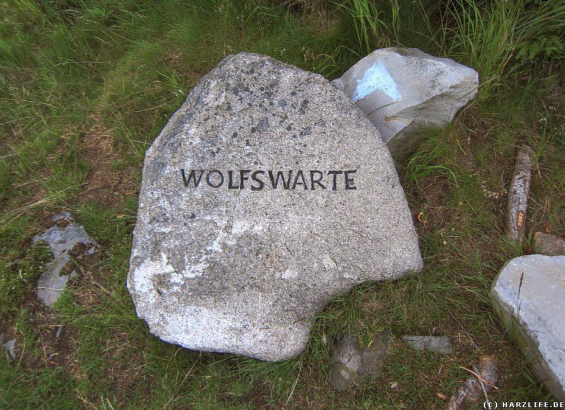 Stein als Wegweiser zur Wolfswarte