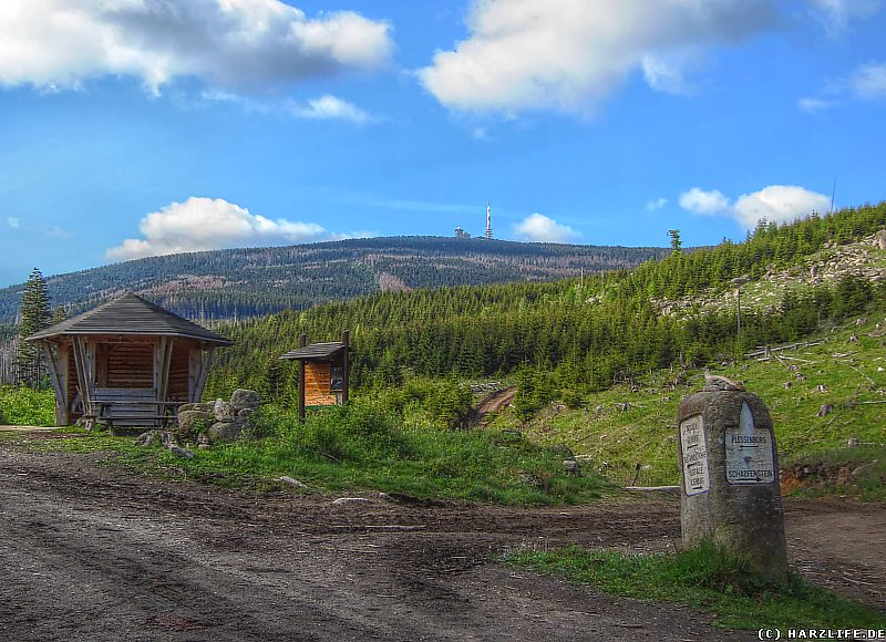 Die Bremer Hütte mit Ausblick zum Brocken