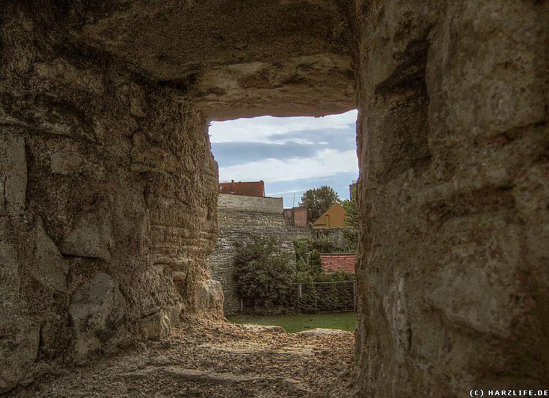 Aussicht aus der Großen Schale auf die Spitze Bastion der Aschersleber Stadtmauer