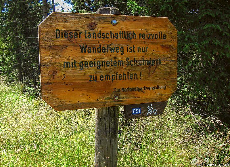 Hinweisschild zum Schuhwerk auf dem Reitstieg im Harz