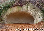 Kleine Felshöhle am Mühlenwanderweg
