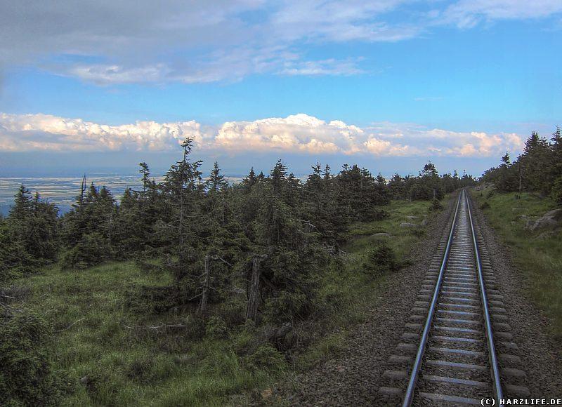 Blick von der Brockenbahn auf das Harzvorland