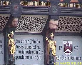 Aufwendige Verzierungen am Rathaus in Wernigerode