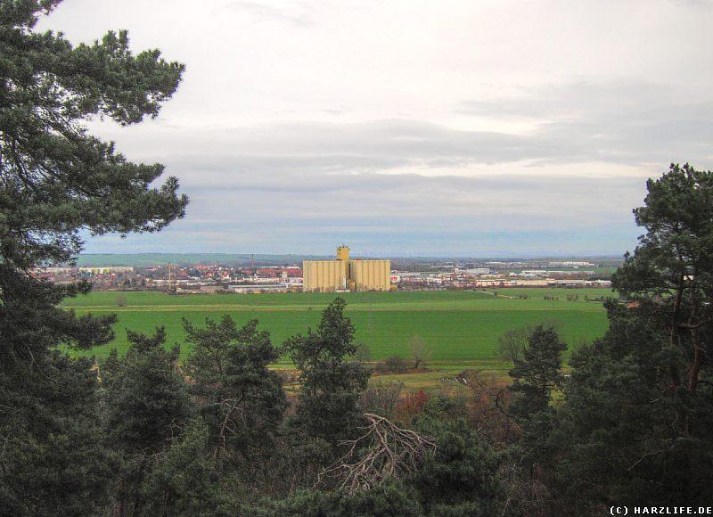 Blick von der Teufelskanzel in Richtung Gewerbegebiet Am Sülzegraben