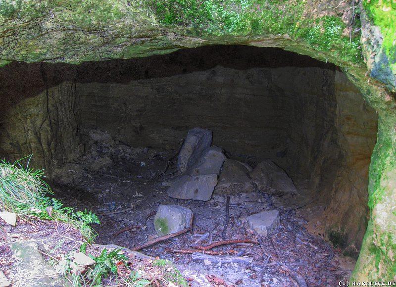 Die kleine Höhle unter dem Fünffingerfelsen