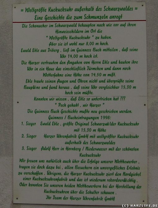 Größte Kuckucksuhr der Welt - Infotafel der Harzer Uhrenfabrik Gernrode zum gescheiterten Rekordversuch