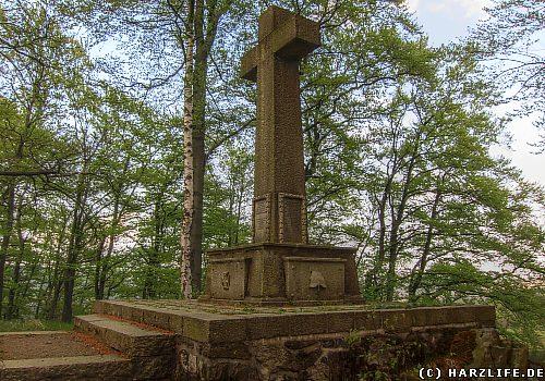 Das Kriegerdenkmal an der Muxklippe