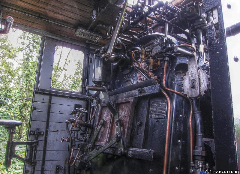 Blick in den Führerstand der Dampflok Nr. 20