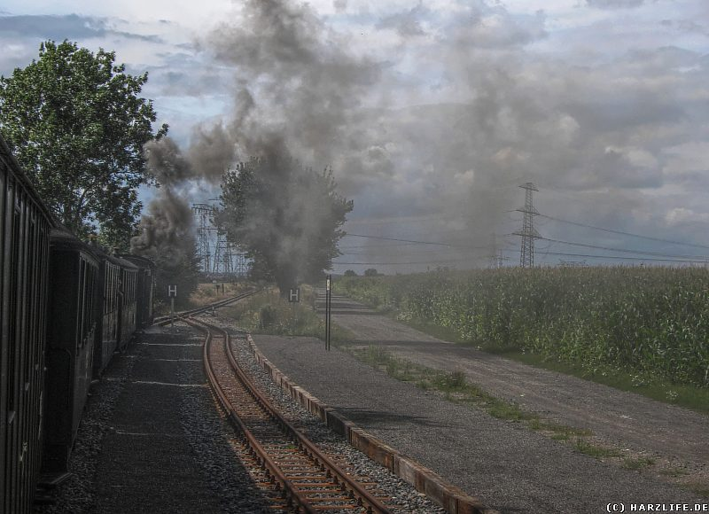 Fahrt unter Dampf durch die Bahnstation Zirkelschacht